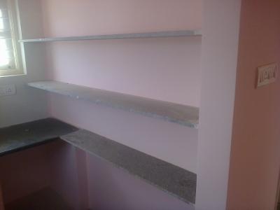 Kitchen shelfs with granite